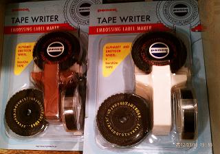 テープライター 1365円